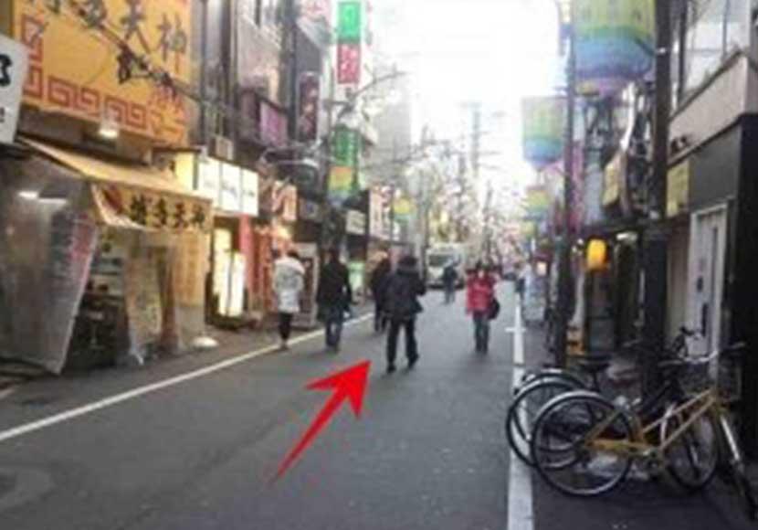 JR新橋駅から新橋店への道順2