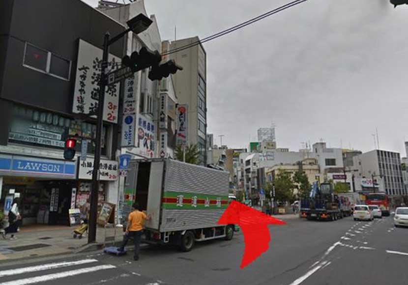 JR小田原駅から小田原駅前店への道順1